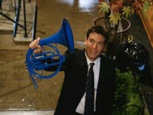 Ted steals a blue French horn for Robin, a quintessential moment for the show.
